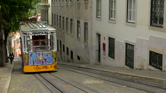 elevator da gloria, bairro alto, lisbon, portugal - western script stock videos & royalty-free footage