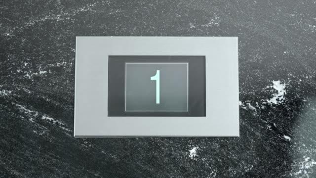 LD Aufzug-Anzeige zeigt Etage Nummer