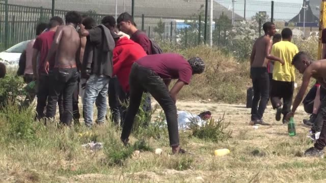 Eleven organizations defended Calais migrants fundamental rights before Lille's administrative court on Wednesday demanding the construction of a...