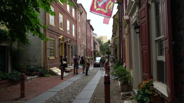 elfreth's alley - philadelphia, pa - kolonialstil stock-videos und b-roll-filmmaterial