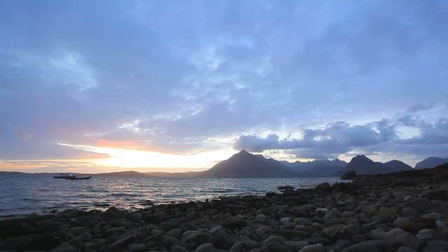 Elgol Skye, Scozia Spiaggia di Sun set Time lapse