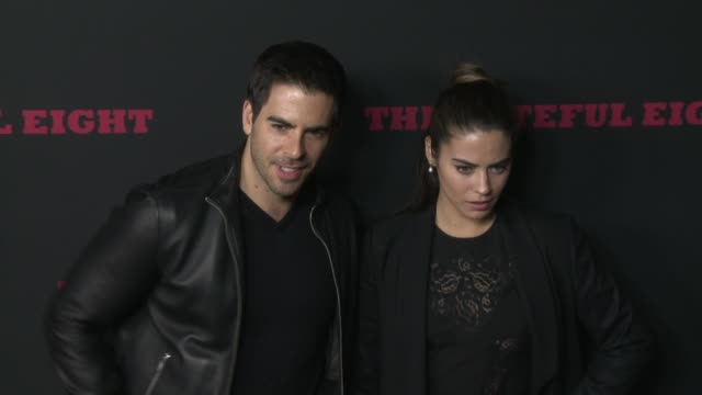"""eli roth and lorenza izzo at """"the hateful eight"""" world premiere at arclight cinemas on december 07, 2015 in hollywood, california. - arclight cinemas hollywood stock-videos und b-roll-filmmaterial"""