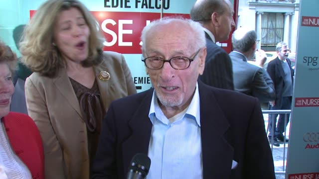 eli wallach on who he plays on the show how nurse jackie takes care of him and what makes this show different at the world premiere of showtime's... - nurse jackie video stock e b–roll
