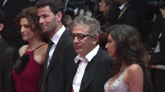 elia suleiman at the cannes film festival 2009 the time that remains steps at cannes - 62 ° festival internazionale del cinema di cannes video stock e b–roll