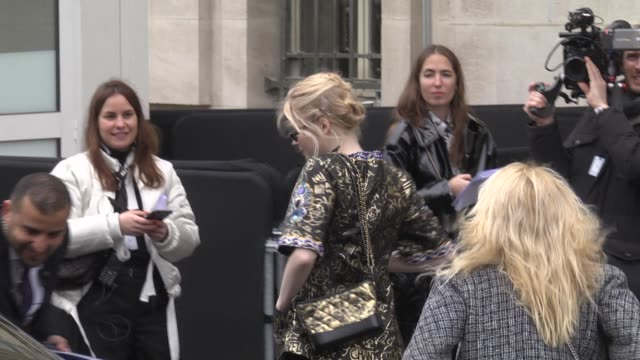 elie bamber attends the chanel show as part of the paris fashion week womenswear fall/winter 2019/2020 on march 5, 2019 in paris, france. - celebrity sightings stock videos & royalty-free footage