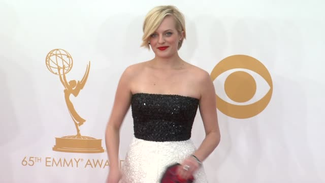 elisabeth moss at 65th annual primetime emmy awards arrivals on 9/22/2013 in los angeles ca - annual primetime emmy awards stock-videos und b-roll-filmmaterial