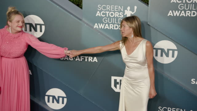 elisabeth moss, jennifer aniston at the shrine auditorium on january 19, 2020 in los angeles, california. - screen actors guild stock videos & royalty-free footage
