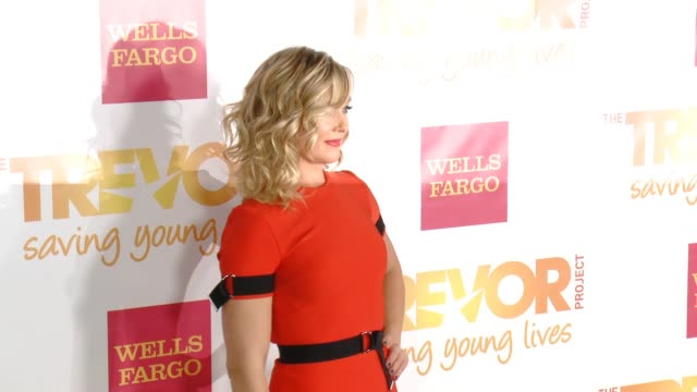 elisabeth rohm at 16th annual trevor project benefit presented by wells fargo in los angeles ca - markenname stock-videos und b-roll-filmmaterial
