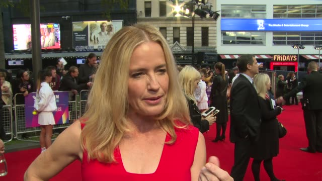 elisabeth shue on her character, steve carrell and equality at odeon leicester square on october 07, 2017 in london, england. - elisabeth shue stock videos & royalty-free footage