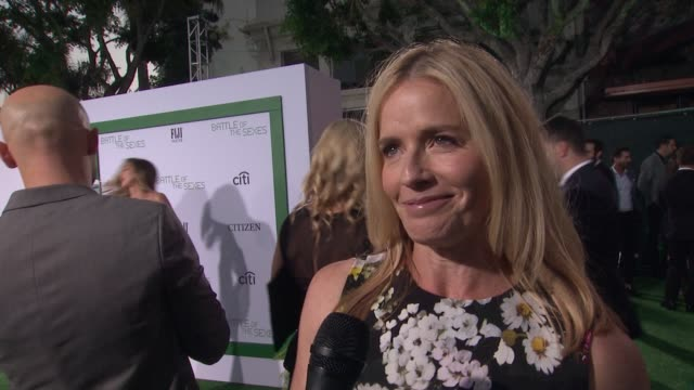 vidéos et rushes de elisabeth shue talks about why the story is so important. we've come a long way. was 9 years old when match happened. talks about the bras she had to... - elisabeth shue