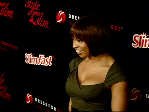 elise neal at the rachel hunter and slim-fast host style your slim event with special guest tim gunn and dj macy gray at boulevard3 in hollywood,... - レイチェル ハンター点の映像素材/bロール