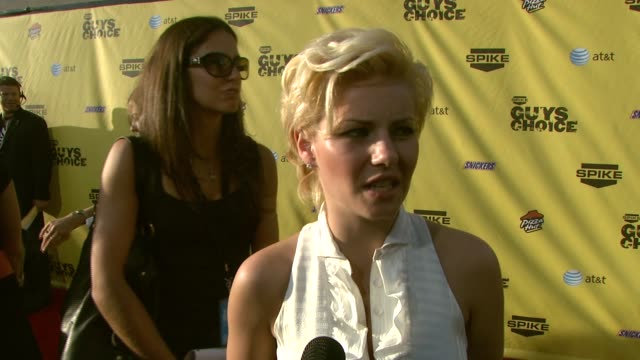 elisha cuthbert on deciding what to wear to this event why she wanted to attend the 'guyish' atmosphere and if guys and men are the same at the spike... - spike guys choice awards video stock e b–roll