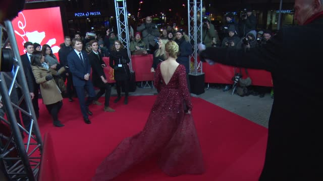 elizabeth banks at 'love and mercy' red carpet 65th berlin film festival at friedrichstadtpalast on february 08 2015 in berlin germany - tulle stock videos and b-roll footage