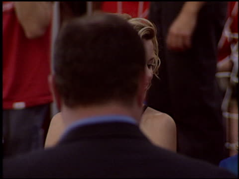 elizabeth banks at the 'spider-man 2' premiere on june 22, 2004. - house spider stock videos & royalty-free footage