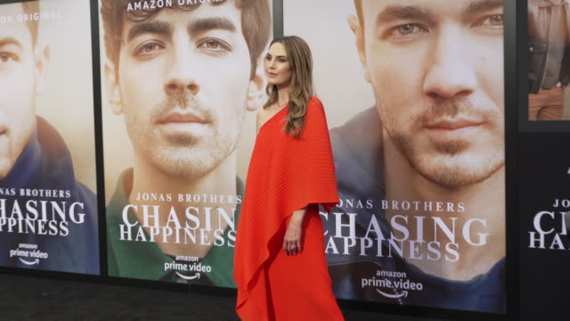 elizabeth chambers at the jonas brothers' chasing happiness world premiere at regency bruin theatre on june 03 2019 in los angeles california - bruin theater stock videos & royalty-free footage