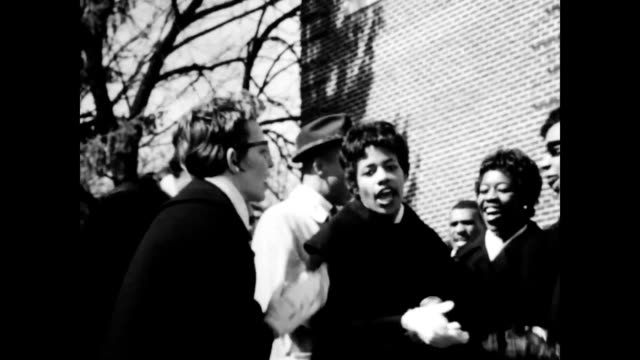elizabeth eckford, one of the original 'little rock nine' attends the school. - social movement stock videos & royalty-free footage
