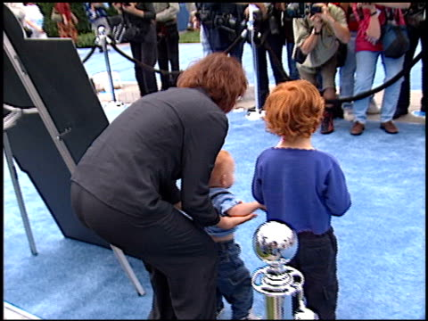 elizabeth pena at the 'blue's big musical movie' premiere at paramount studios in hollywood california on september 23 2000 - paramount studios stock videos and b-roll footage