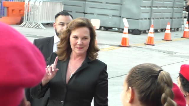 elizabeth perkins greets fans at the boss premiere at regency village theatre in westwood - celebrity sightings on march 28, 2016 in los angeles,... - westwood village stock videos & royalty-free footage