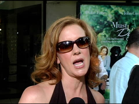 elizabeth perkins on her character in the film internet dating and how after doing the film she sees the benefits of it especially in los angeles at... - シネラマドーム点の映像素材/bロール