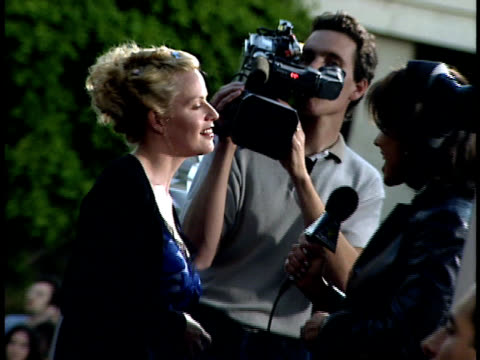 elizabeth shue speaks to a reporter on the red carpet. - elisabeth shue stock videos & royalty-free footage