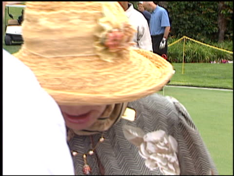 vídeos de stock e filmes b-roll de elke sommer at the lapd celebrity golf tournament at rancho park golf course in los angeles, california on may 19, 2001. - golf