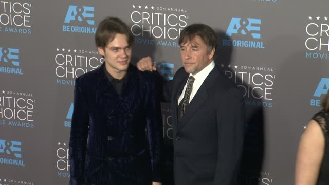 stockvideo's en b-roll-footage met ellar coltrane and richard linklater at the 20th annual critics' choice awards at hollywood palladium on january 15 2015 in los angeles california - richard linklater