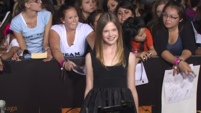 Elle Fanning at the 'The Twilight Saga New Moon' Premiere at Westwood CA