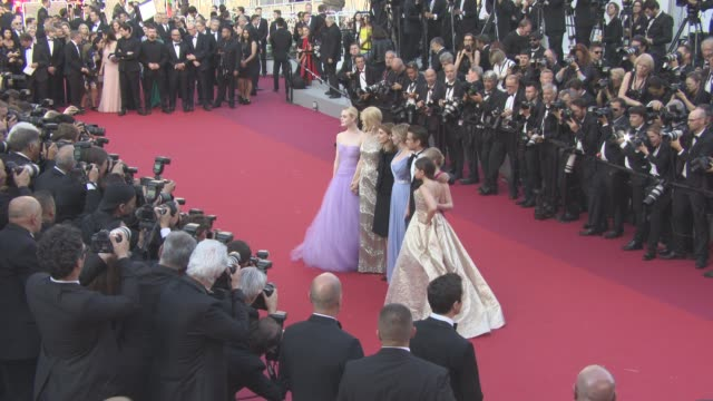 vidéos et rushes de elle fanning kirsten dunst colin farrell nicole kidman sofia coppola angousie rice addison riecke at 'the beguiled' official screening red carpet at... - festival international de cannes