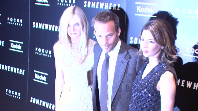 stockvideo's en b-roll-footage met elle fanning sofia coppola and stephen dorff at the 'somewhere' special screening at new york ny - stephen dorff