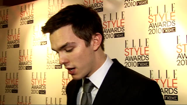 elle style awards 2010 nicholas hoult interview sot wearing tom ford on getting tired from awards but the publicity being great for the film nicholas... - tom chance stock videos & royalty-free footage