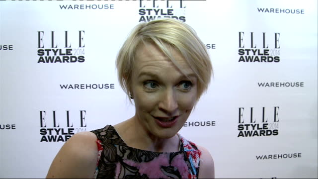 Red carpet arrivals / winners' room ENGLAND London INT Arrivals Arizona Muse posing / Lorraine Candy speaking to press and interview SOT / Tinie...