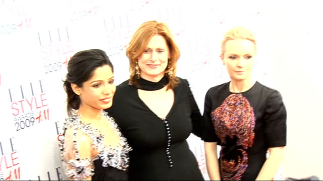 arrivals and interviews ****flash pinto posing for photocall with sarah brown and another - pinto bean stock videos and b-roll footage