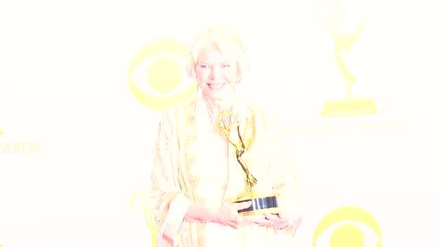 vidéos et rushes de ellen burstyn at 65th annual primetime emmy awards - photo room ellen burstyn at 65th annual primetime emmy awards at nokia theatre l.a. live on... - annual primetime emmy awards