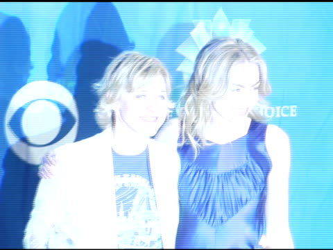 ellen degeneres and portia de rossi at the 2006 people's choice awards press room at the shrine auditorium in los angeles california on january 10... - people's choice awards stock videos & royalty-free footage