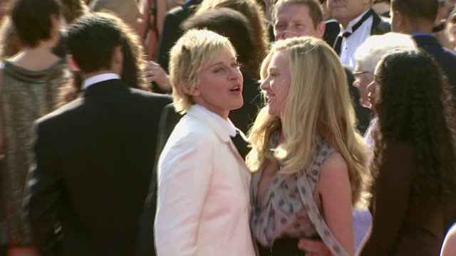 vídeos y material grabado en eventos de stock de ellen degeneres and portia de rossi at the 2007 daytime emmy awards at the kodak theatre in hollywood california on june 15 2007 - ellen degeneres