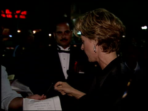 vídeos y material grabado en eventos de stock de ellen degeneres at the 1994 emmy awards post show at the pasadena civic auditorium in pasadena california on september 11 1994 - ellen degeneres