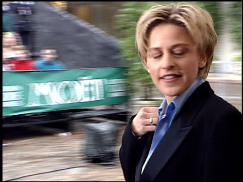 stockvideo's en b-roll-footage met ellen degeneres at the 1996 golden globe awards at the beverly hilton in beverly hills california on january 21 1996 - beverly hilton hotel