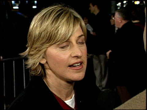 vídeos y material grabado en eventos de stock de ellen degeneres at the 'adaptation' premiere on december 3 2002 - ellen degeneres