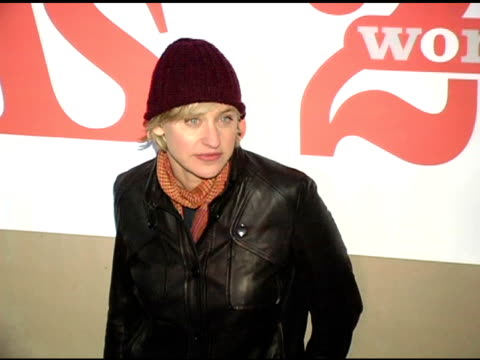 vídeos y material grabado en eventos de stock de ellen degeneres at the ms magazine 2004 women of the year arrivals at spider club in los angeles california on november 29 2004 - ellen degeneres