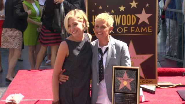 vídeos y material grabado en eventos de stock de ellen degeneres honored with star on the hollywood walk of fame event capsule chyron ellen degeneres honored with at hollywood walk of fame on... - ellen degeneres