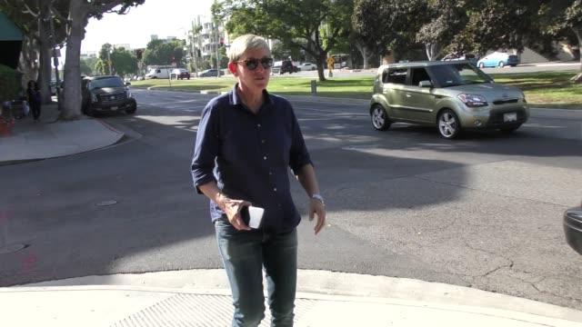 vídeos y material grabado en eventos de stock de ellen degeneres is asked about bill cosby while out in beverly hills in celebrity sightings in los angeles - ellen degeneres