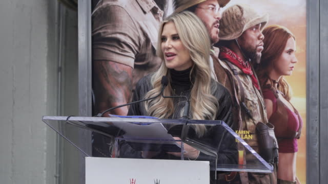 ellen k. at the kevin hart hand and footprint ceremony at the tcl chinese theatre imax in los angeles, ca 12/10/19 - tcl chinese theatre stock videos & royalty-free footage