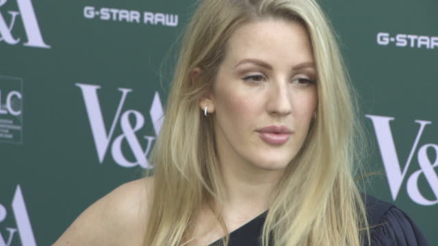 vídeos de stock, filmes e b-roll de ellie goulding at fashioned from nature vip preview at the va on april 18 2018 in london england - ellie goulding