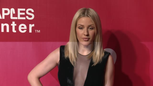 vídeos de stock, filmes e b-roll de ellie goulding at the 2016 musicares person of the year honoring lionel richie at los angeles convention center on february 13 2016 in los angeles... - ellie goulding