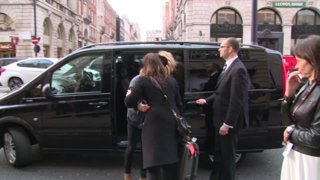 vídeos de stock, filmes e b-roll de ellie goulding dougie poynter at celebrity sightings in london on 26th march 2015 in london england - ellie goulding