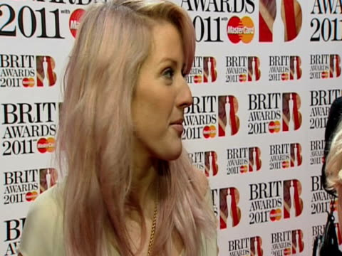 vídeos de stock, filmes e b-roll de ellie goulding on being nominated the brits and more at the brit awards 2011 at london england - ellie goulding