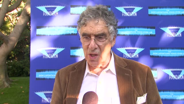 elliot gould on his projects at celebrities and voice-over stars ante up for sag foundation 3rd annual poker classic on 4/24/13 in los angeles, ca . - エリオット グールド点の映像素材/bロール