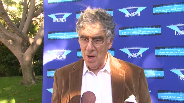 elliot gould on poker at celebrities and voice-over stars ante up for sag foundation 3rd annual poker classic on 4/24/13 in los angeles, ca . - エリオット グールド点の映像素材/bロール