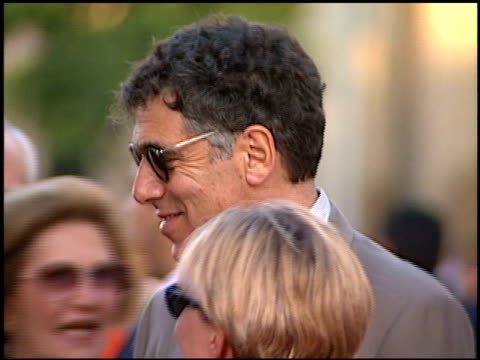 elliott gould at the 'eraser' premiere at grauman's chinese theatre in hollywood california on june 11 1996 - elliott gould stock videos & royalty-free footage
