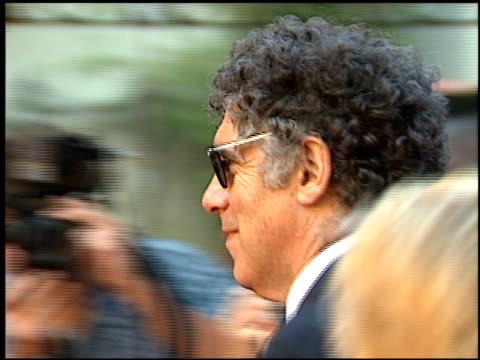 elliott gould at the 'great white hype' premiere at grauman's chinese theatre in hollywood california on may 1 1996 - elliott gould stock videos & royalty-free footage